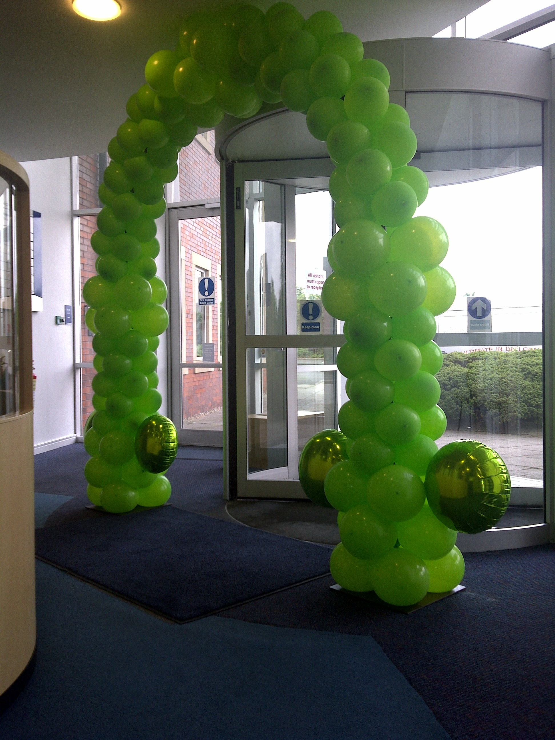 If Light At End Of Tunnel Is Green You >> Matthew Lewis Displays and Special Occasion Foils   Award Winning Balloon Decoration for Parties ...
